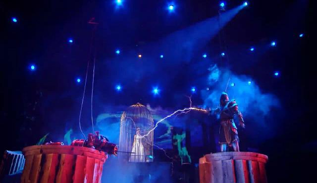 电与火之歌 电与火现舞台震惊众人